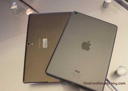 Сомневаетесь в выборе iPad Air или Samsung Galaxy Tab S? Реклама от Samsung поможет определится)