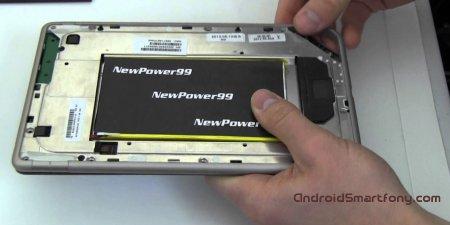 Как достать батарею из планшета