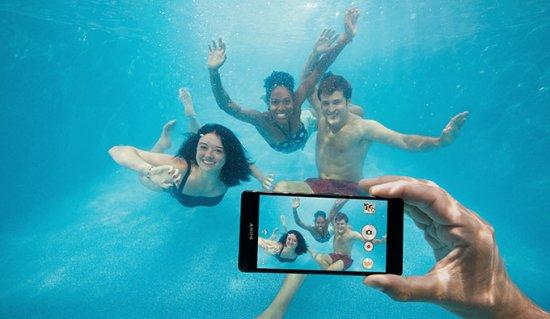 Пять водонепроницаемых смартфонов для лета 2016