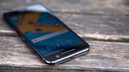 3-е место в топ лучших смартфонов 2016 - HTC 10