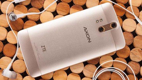 китайский металлический смартфон ZTE Axon Pro