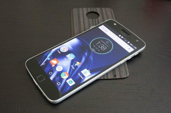Обзор смартфона Moto Z Play - надежный, доступный, модульный