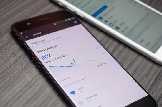 Сравнительный обзор смартфонов OnePlus 5 vs iPhone 7 Plus