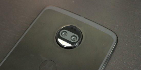 Обзор Moto Z2 Force: отличный смартфон с уязвимым экраном