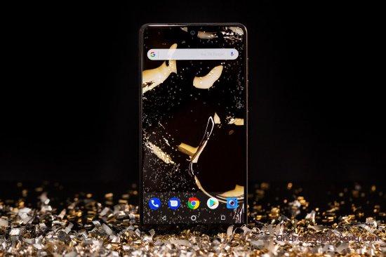 Обзор смартфона Essential Phone - артефакт из нереализованного будущего
