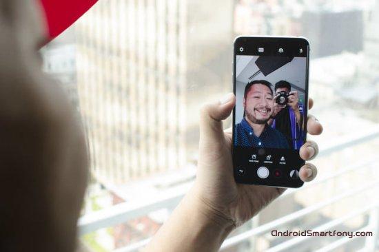 Сравнение LG V30 vs Galaxy S8 Plus: изогнутый экран или высококачественное аудио?
