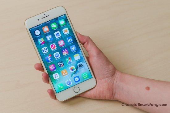 Программное обеспечение LG V30 vs iPhone 7 Plus