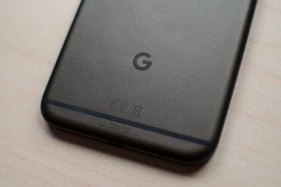 Автономная работа Essential Phone vs Google Pixel