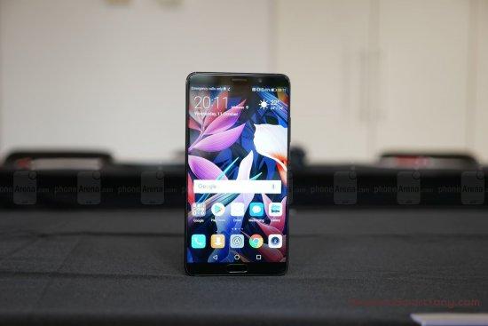 Первый обзор Huawei Mate 10 - лучший смартфон Huawei?