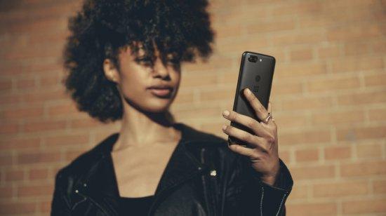 лицевое распознование в OnePlus 5T