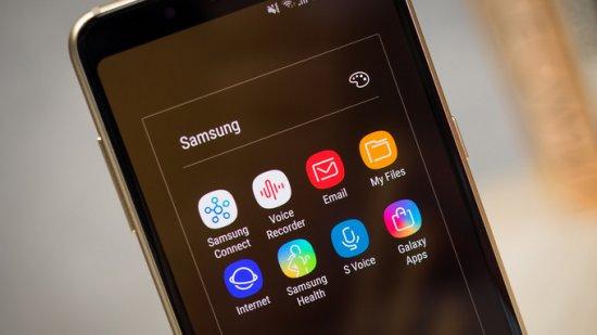 интерфейс Galaxy A8 2018