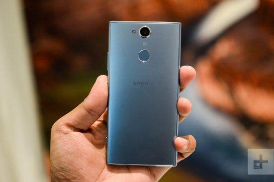 Сравнительный обзор смартфонов Sony Xperia XA2 и HTC U11 Life