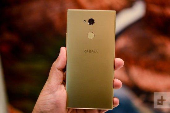 Сравнительный обзор смартфонов Sony Xperia XA2 Ultra и Moto X4