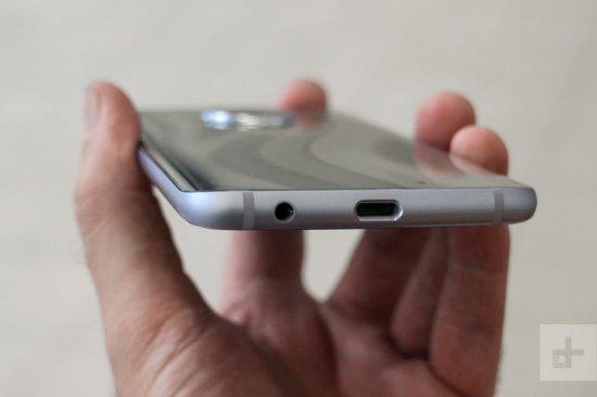 автономность Sony Xperia XA2 Ultra vs Moto X4