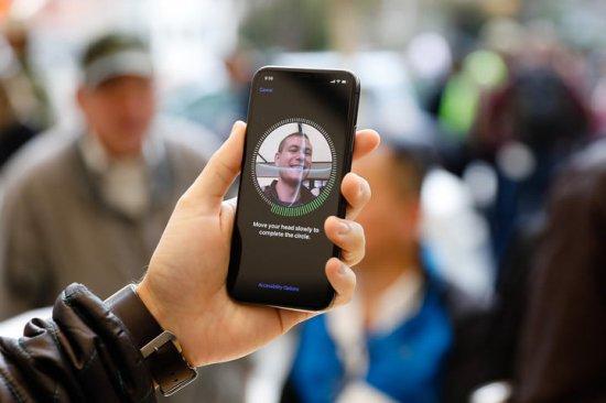 Какие тенденции ожидаются на рынке смартфонов в 2018 году