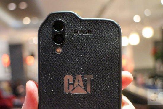 Caterpillar Cat S61 обзор