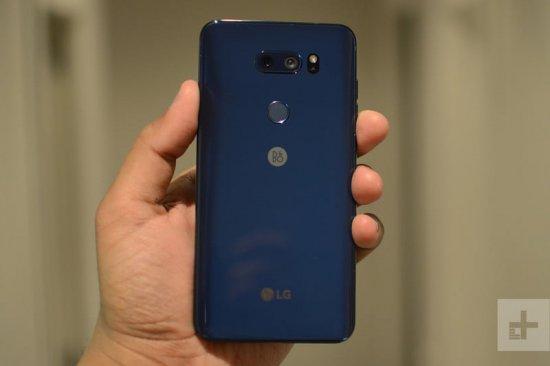 Краткий обзор LG V30S ThinQ - клон V30 с увеличенной памятью и умной камерой?