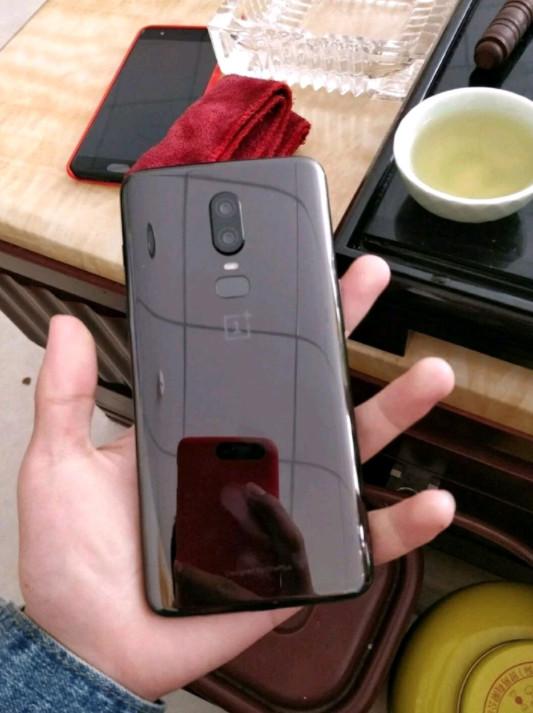 Дизайн OnePlus 6