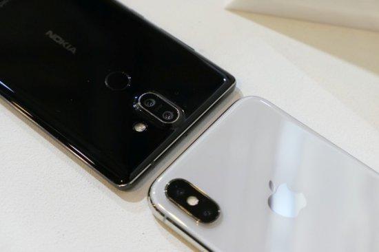 Nokia 8 Sirocco vs iPhone X