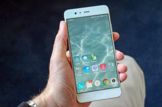Экраны Huawei P20 Pro против Huawei P10 Plus