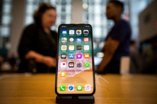 Смартфоны достигли предела: что делать Samsung и Apple дальше?