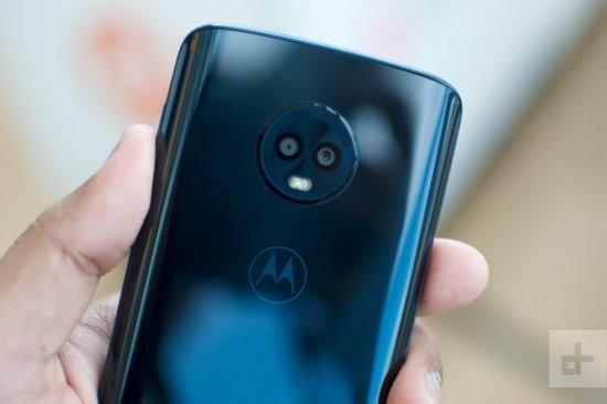 Moto G6 vs Moto G6 Play камеры