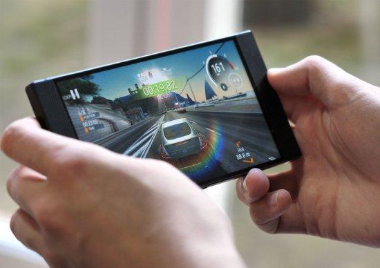 мощный игровой смартфон 2018 - Razer Phone