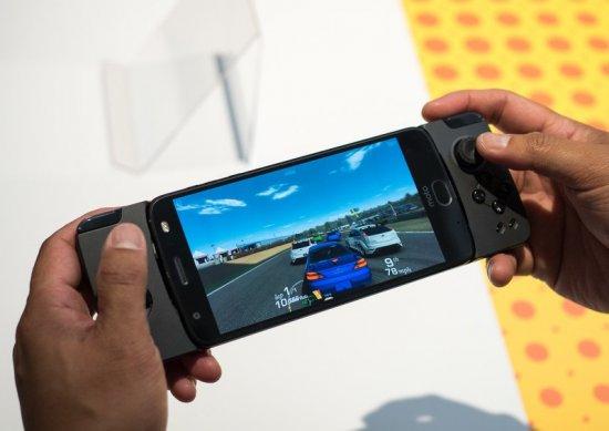 смартфон для геймеров - Motorola Moto Z2 Play
