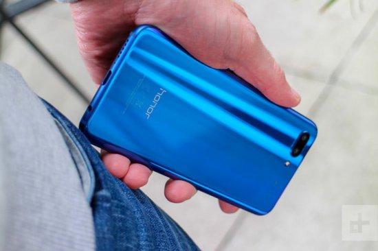 Обзор смартфона Honor 10 - потрясающий и мощный