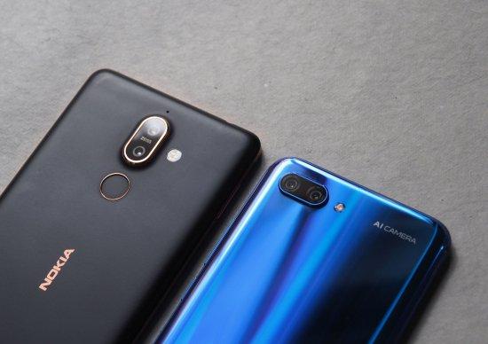 Сравнительный обзор смартфонов Honor 10 и Nokia 7 Plus
