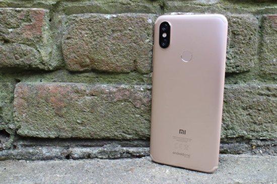 Краткое знакомство со смартфоном Xiaomi Mi A2