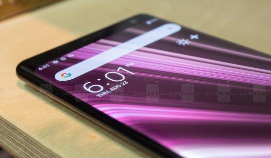Первое знакомство со смартфоном Sony Xperia XZ3