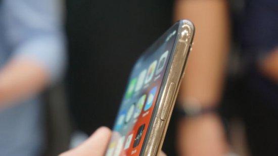 экраны iPhone XS vs iPhone X