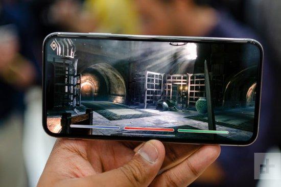 iPhone XS vs. Sony Xperia XZ3 производительность