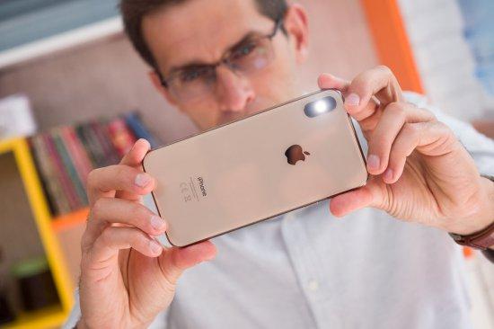 Обзор смартфонов Apple iPhone XS и XS Max - какая разница?