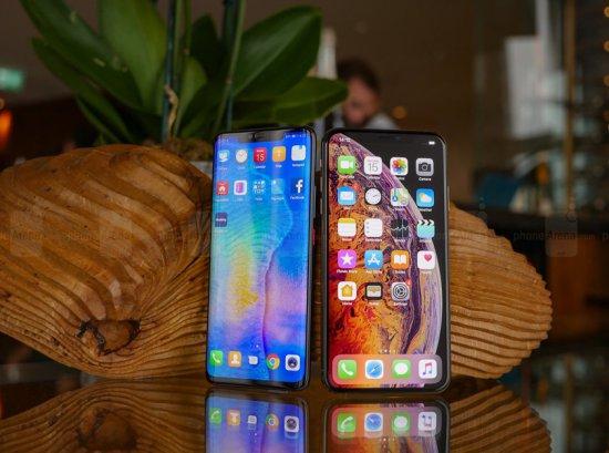 Сравнение смартфонов Huawei Mate 20 Pro и Apple iPhone XS Max