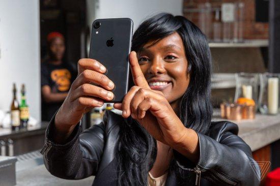 Обзор iPhone XR: лучше, чем просто хорошо