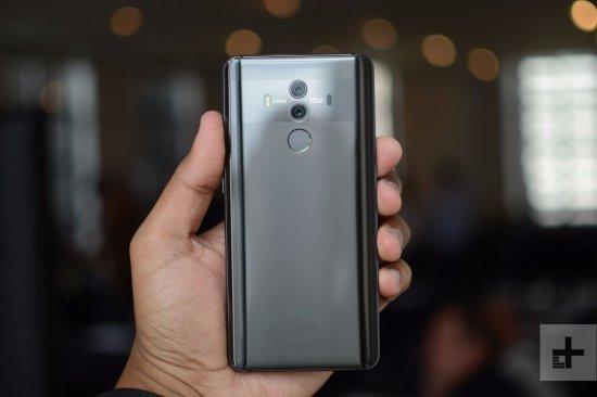 Huawei Mate 20 Pro против Huawei Mate 10 Pro: насколько лучше новый флагман?