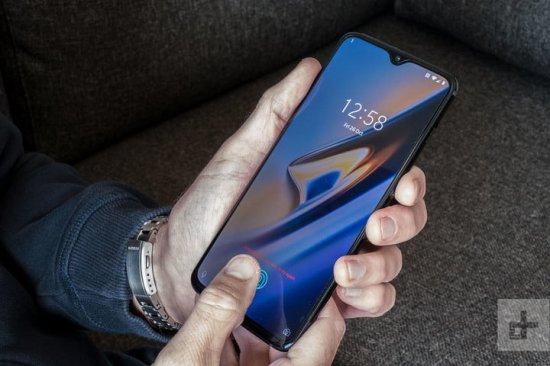 Производители смартфонов в 2018 году: победители и проигравшие