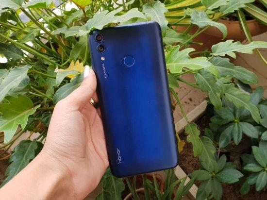 Обзор смартфона Honor 8C - мощная батарея, хорошая камера и дизайн