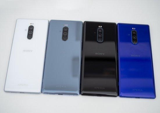 Первый взгляд на смартфоны Sony Xperia 1, Xperia 10 и Xperia 10 Plus