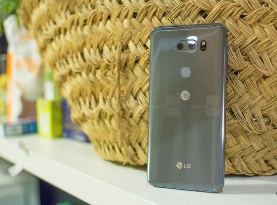 LG V30 и V30 Plus