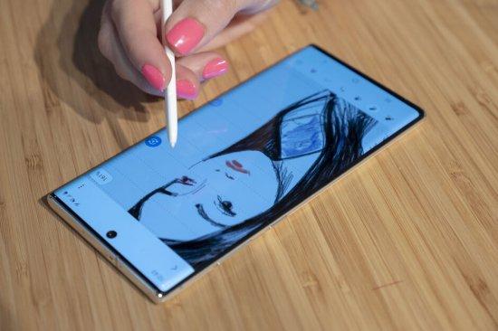 Samsung Galaxy Note 10 vs Galaxy S10 Plus сравнение